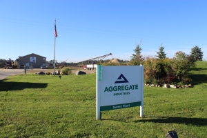 Aggregrate sign and plant USE