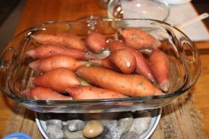 Pan of sweet poatoes USE