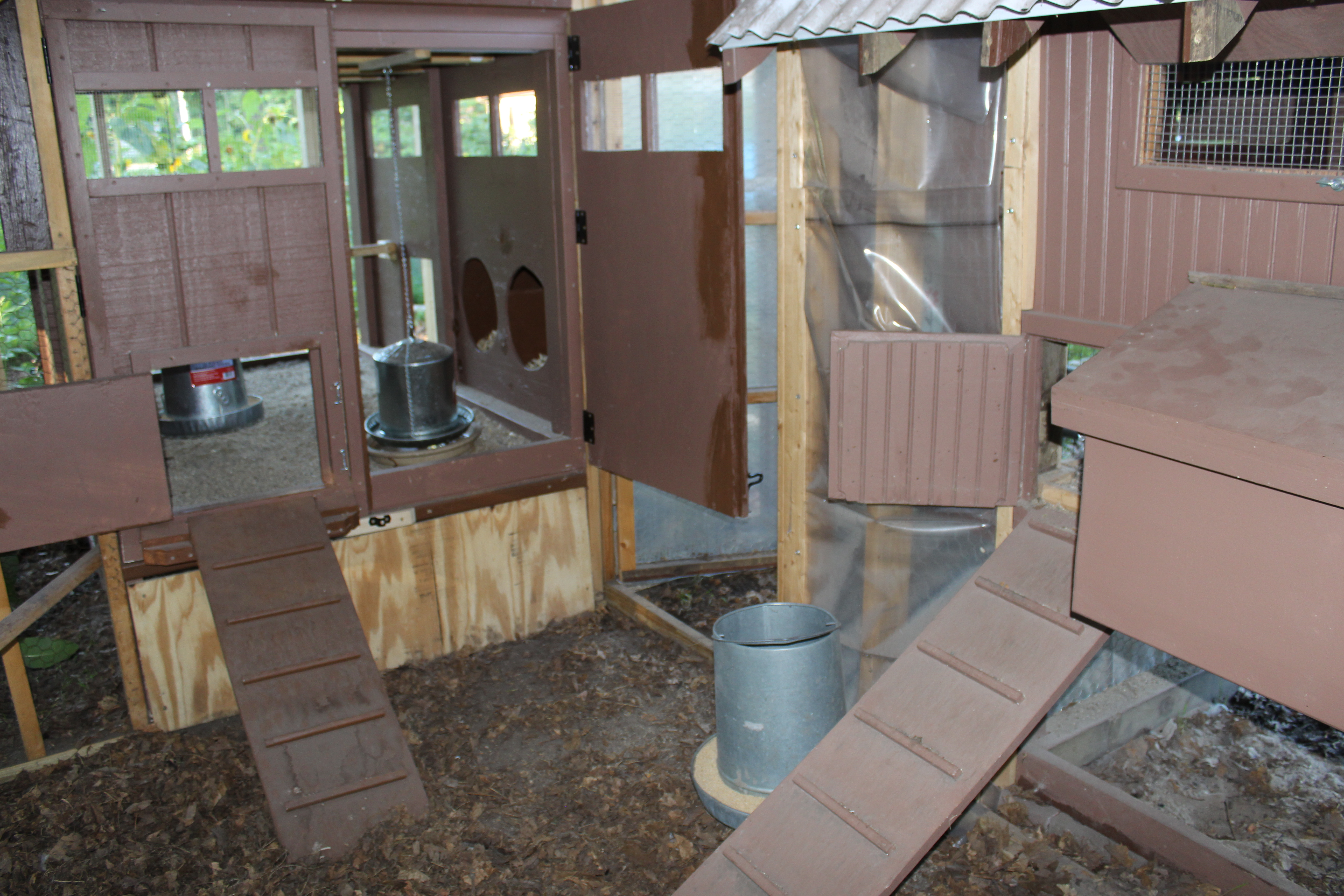 Enclosed chicken run small house big sky homestead for Enclosed chicken run plans