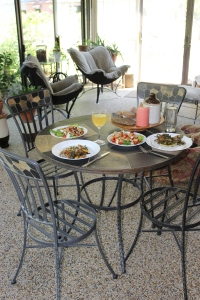 VERT table set sling chairs