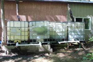 4 275 gallon totes