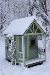 Playhouse thick snow USE