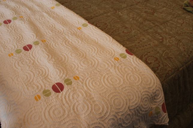 guest-bedroom-new-quilt-use